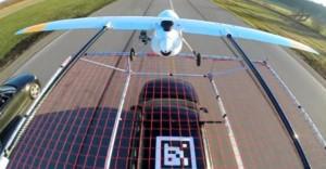Dron-landing-on-a-car